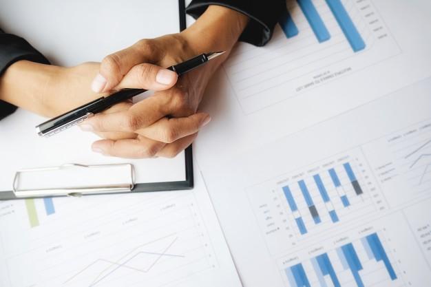mesa de trabalho contabilidade local de trabalho carreira luz solar 1418 526 - Como empresas podem se beneficiar com a produção de conteúdo